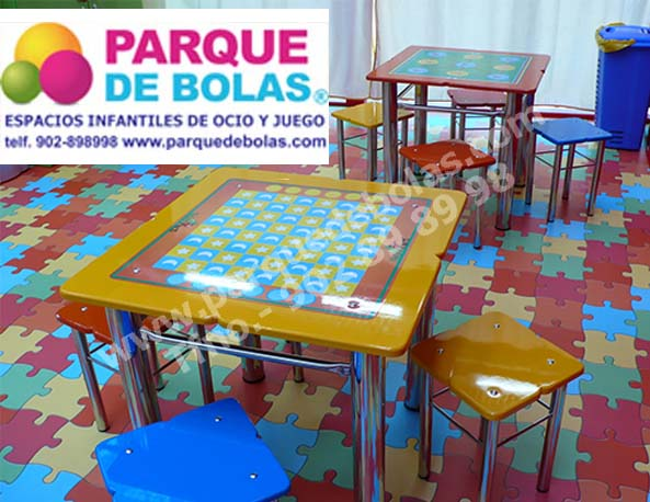 http://www.parquedebolas.com/images/productos/peq/Mesa%20infantil%204%20plazas.jpg