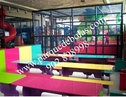 http://www.parquedebolas.com/images/productos/peq/fotopeque.jpg